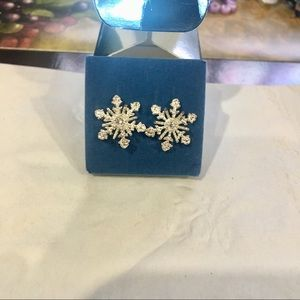 NEW Avon Sparkle Crystal Snowflake Earrings